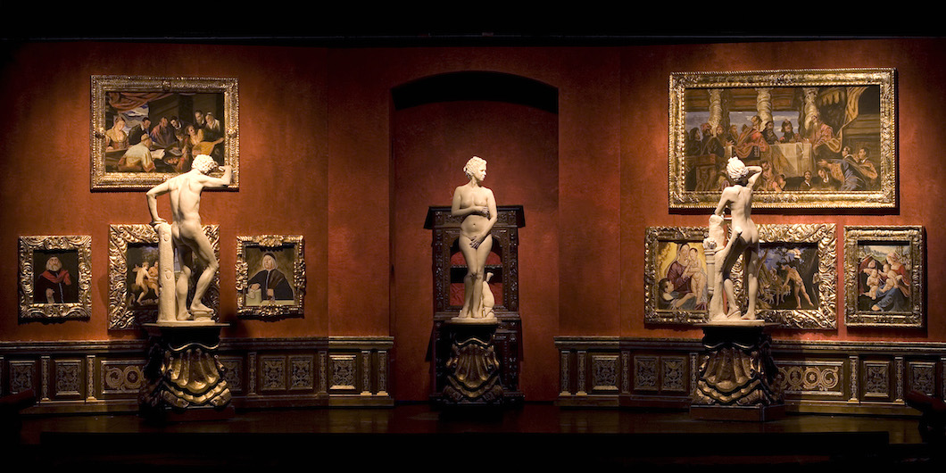 The-marble-sculptures-Tribuna-of-the-Uffizi.jpg